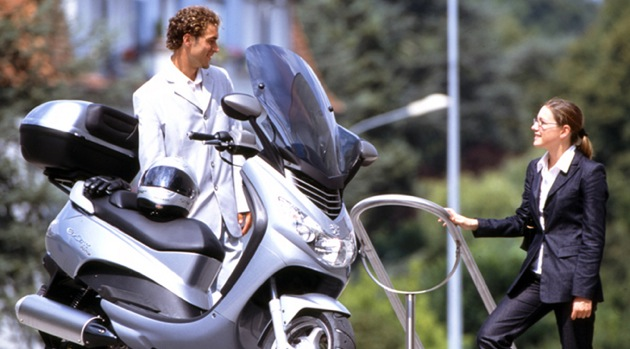 Neue Mietroller: Peugeot Elystar